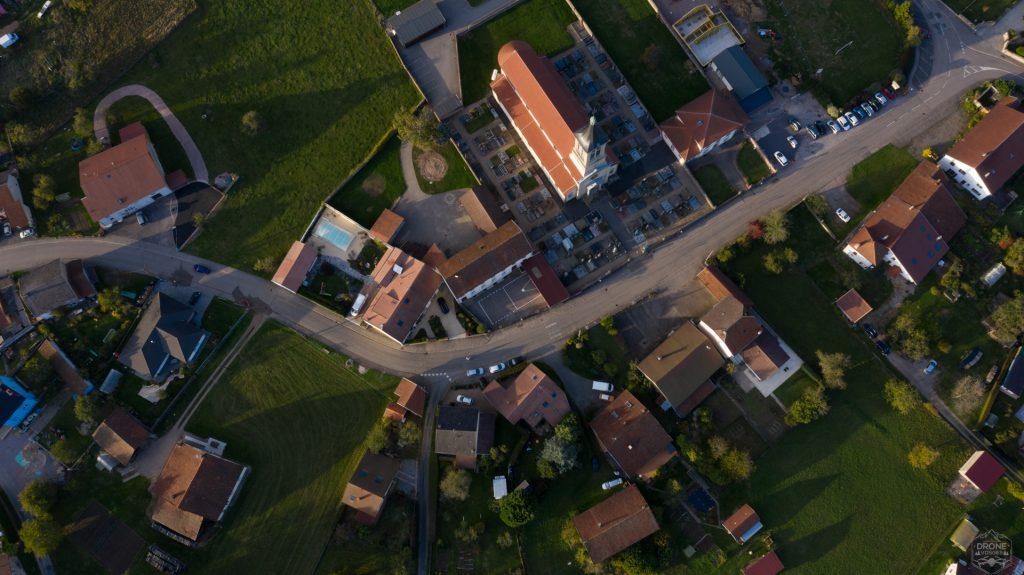 Photo aérienne du village La Baffe dans les Vosges par Drone Vosges