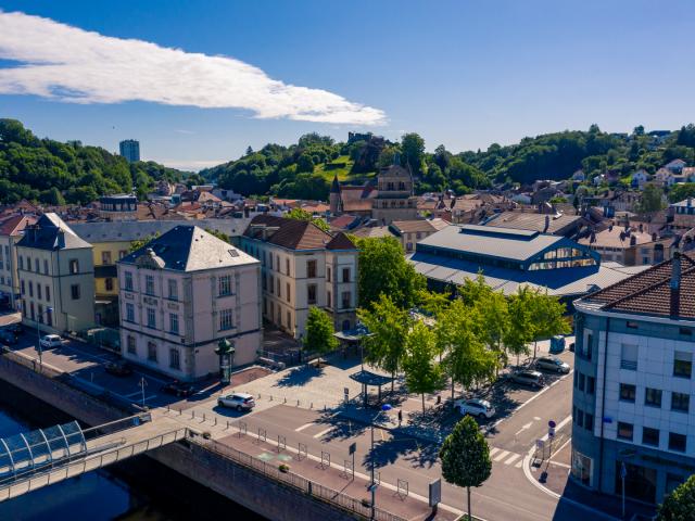 Photo aérienne par drone du centre-ville d'Épinal dans les vosges par Drone Vosges