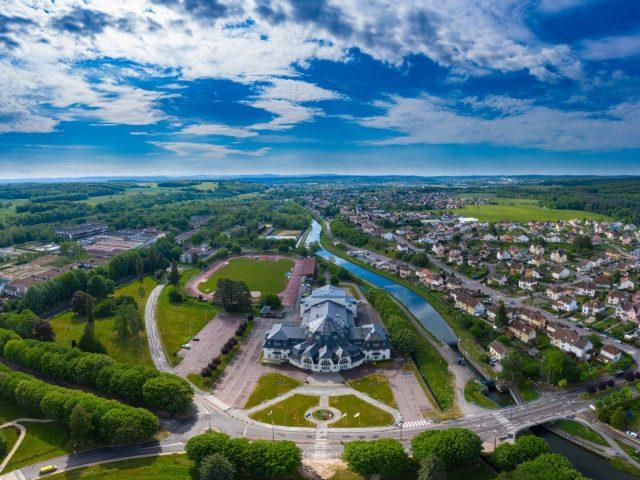 panorama aérien La Rotonde à Capavenir Vosges réalisé par Drone Vosges